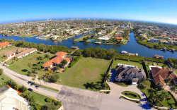 Photo of 258 Lansing Island Drive, Satellite Beach, FL 32937 (MLS # 714392)