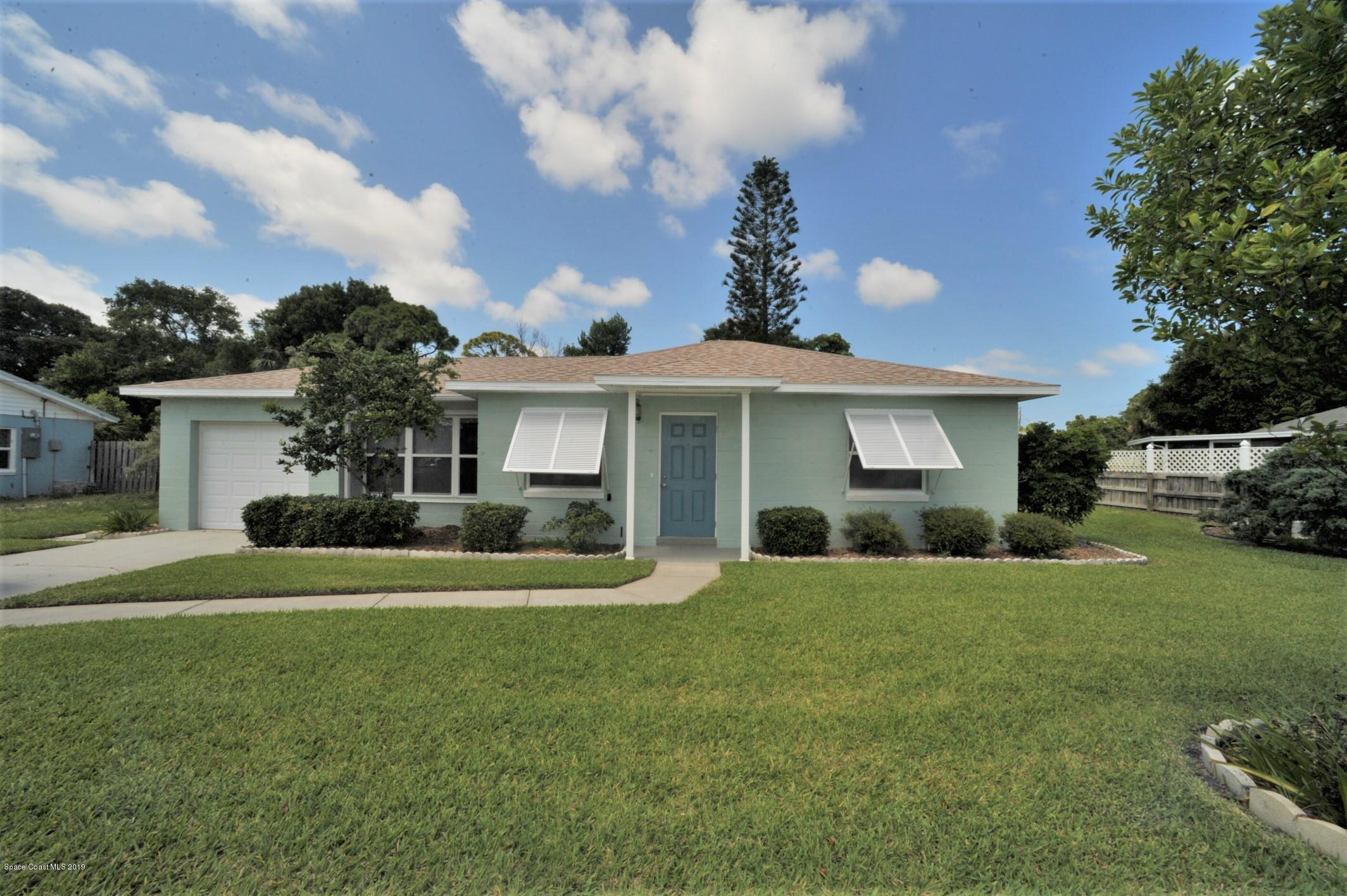 Photo of 424 Bamboo Lane, Melbourne, FL 32935 (MLS # 876935)