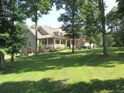 Photo of 734 Ridgetop, Jamestown, TN 38556 (MLS # 1006858)