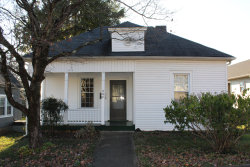 Photo of 606 W Broadway St, Lenoir City, TN 37771 (MLS # 1064731)
