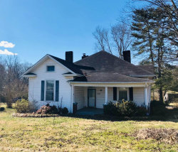 Photo of 173 Eagle Bluff Rd, Jacksboro, TN 37757 (MLS # 1068113)