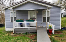 Photo of 616 W 2nd Ave Ave, Lenoir City, TN 37771 (MLS # 1074123)
