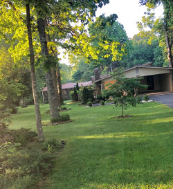 Photo of 104 Dovenshire Drive, Crossville, TN 38558 (MLS # 1080760)
