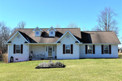 Photo of 38 Autumn Drive, Crossville, TN 38571 (MLS # 1104224)