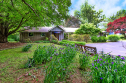 Photo of 5233 Oakhill Drive, Knoxville, TN 37912 (MLS # 1118753)