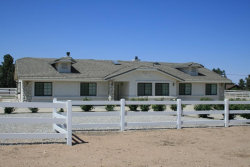 Photo of 12244 El Centro Road, Oak Hills, CA 92344 (MLS # 487001)