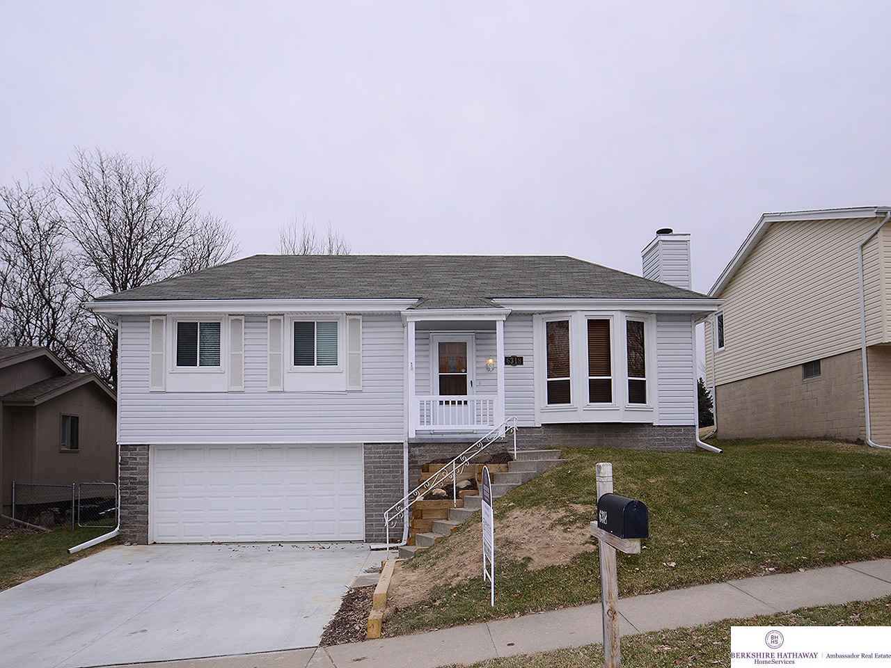 Photo for 6318 N 109 Circle, Omaha, NE 68164 (MLS # 21900741)