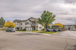 Photo of 188 N Avenger Lane, Boise, ID 83704 (MLS # 98673539)