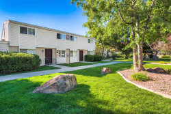 Photo of 822 S Curtis Rd, Boise, ID 83705 (MLS # 98689888)
