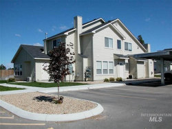 Photo of 1425 Bonneville Cir, Nampa, ID 83651 (MLS # 98741892)