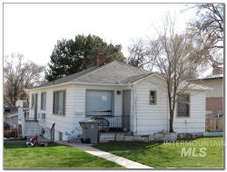 Photo of 1003-1005 S Fern St, Nampa, ID 83686 (MLS # 98762114)
