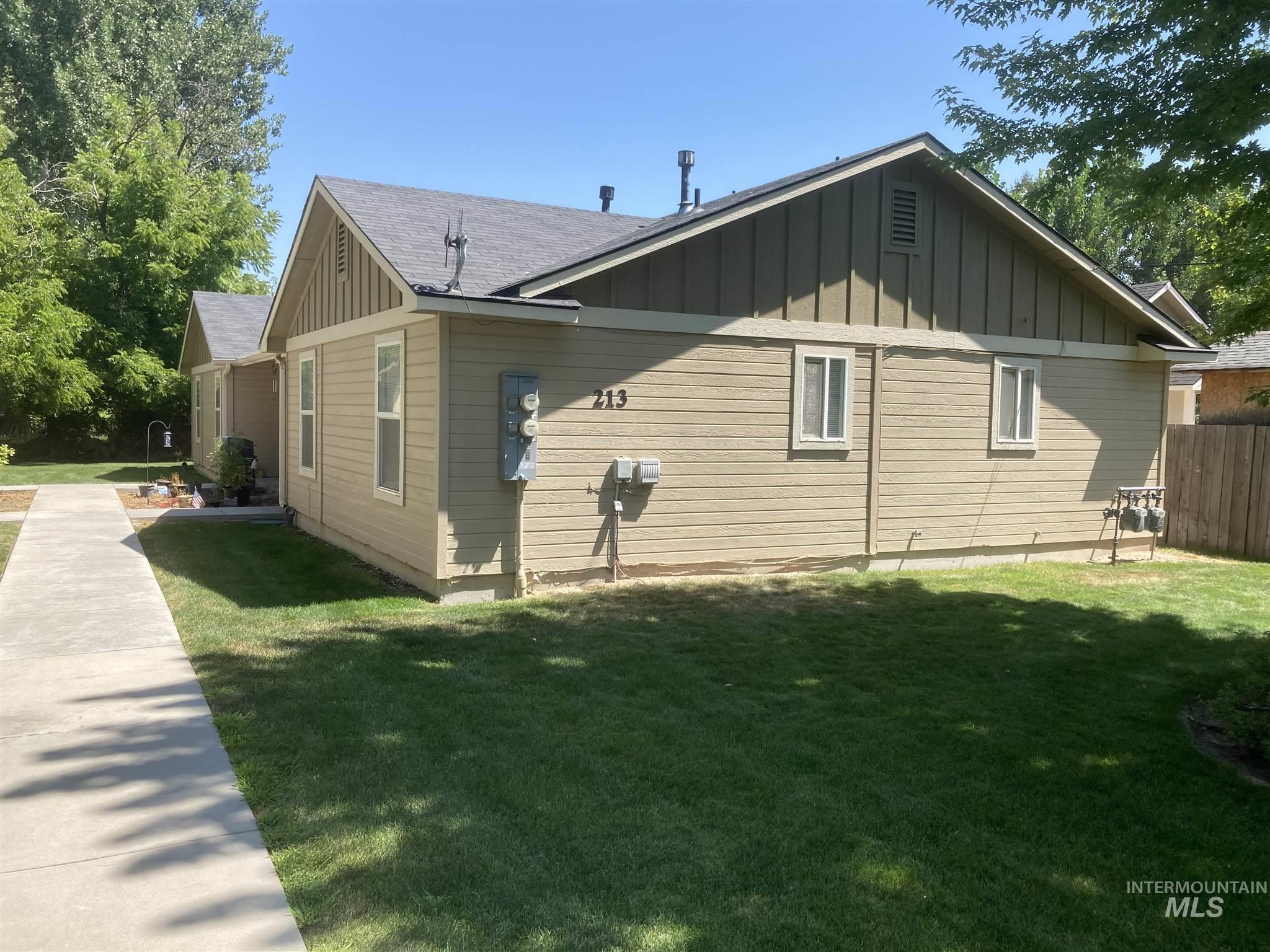 Photo for 213 S Dewey Ave, Middleton, ID 83644 (MLS # 98775617)