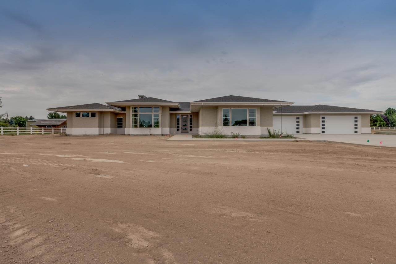 Photo for 3042 W Reflection Lane, Eagle, ID 83616 (MLS # 98636406)