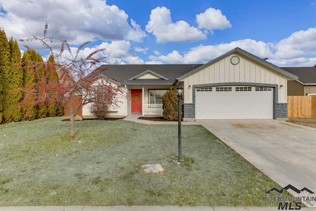 Photo for 8170 E Gallatin, Nampa, ID 83687 (MLS # 98716168)