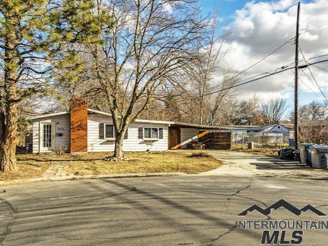 Photo for 2032 S Tooele Pl, Boise, ID 83705 (MLS # 98716407)