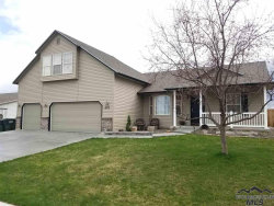 Photo of 1873 W Yukon Dr, Kuna, ID 83634-1767 (MLS # 98719846)
