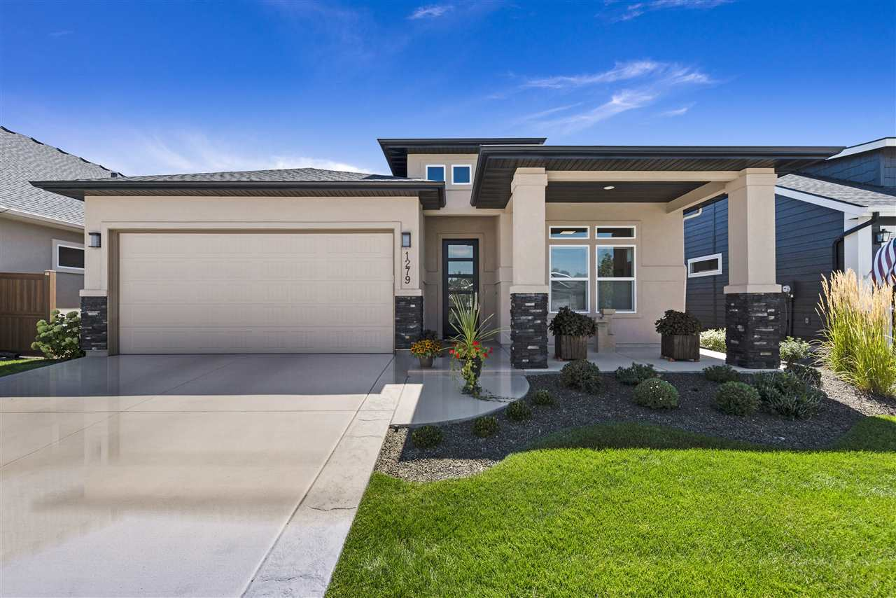 Photo for 1279 W Almaden Ln, Eagle, ID 83616 (MLS # 98741214)