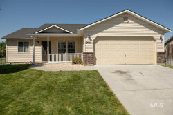 Photo of 981 Sw Independence Ave, Mountain Home, ID 83647 (MLS # 98742121)