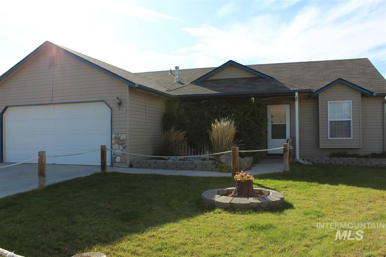 Photo for 1107 Crystal Creek Loop, Emmett, ID 83617 (MLS # 98747573)
