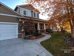 Photo of 5057 W Eagle Landing Ct, Eagle, ID 83616 (MLS # 98749849)