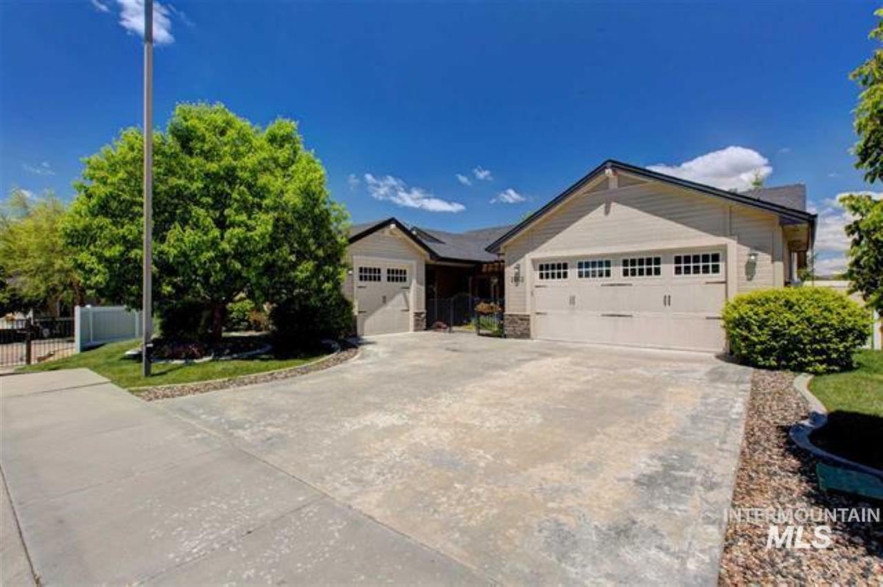 Photo for 2602 Piccadilly Lane, Eagle, ID 83616 (MLS # 98751624)
