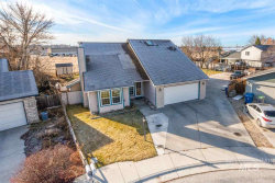 Photo of 811 N Aster Ave, Boise, ID 83704-8094 (MLS # 98752269)