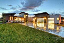 Photo of 201 W River Meadow Dr, Eagle, ID 83616-6841 (MLS # 98757446)