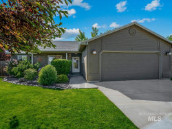 Photo of 7 S Bonner St, Nampa, ID 83651-2106 (MLS # 98768585)