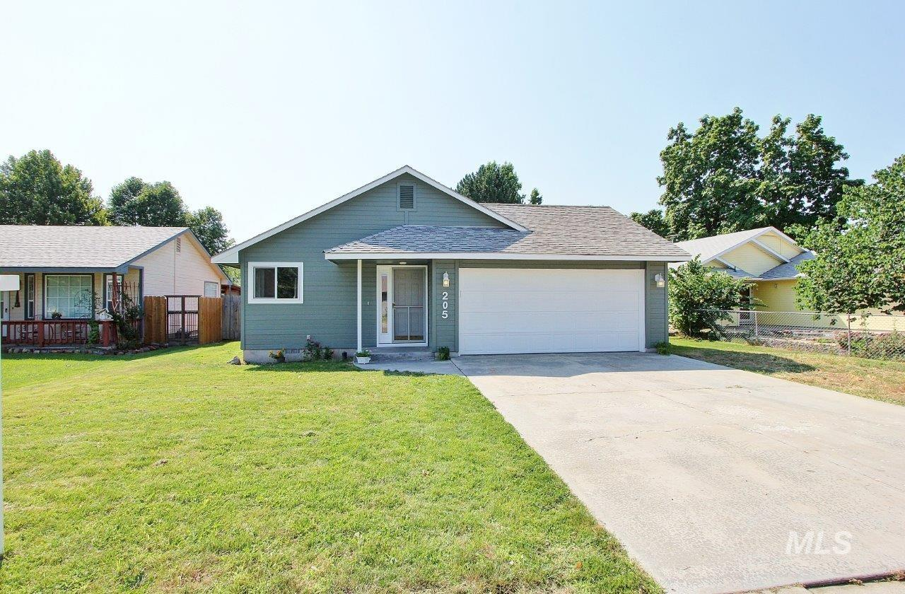 Photo for 205 Barbara Dr., Middleton, ID 83644 (MLS # 98775402)