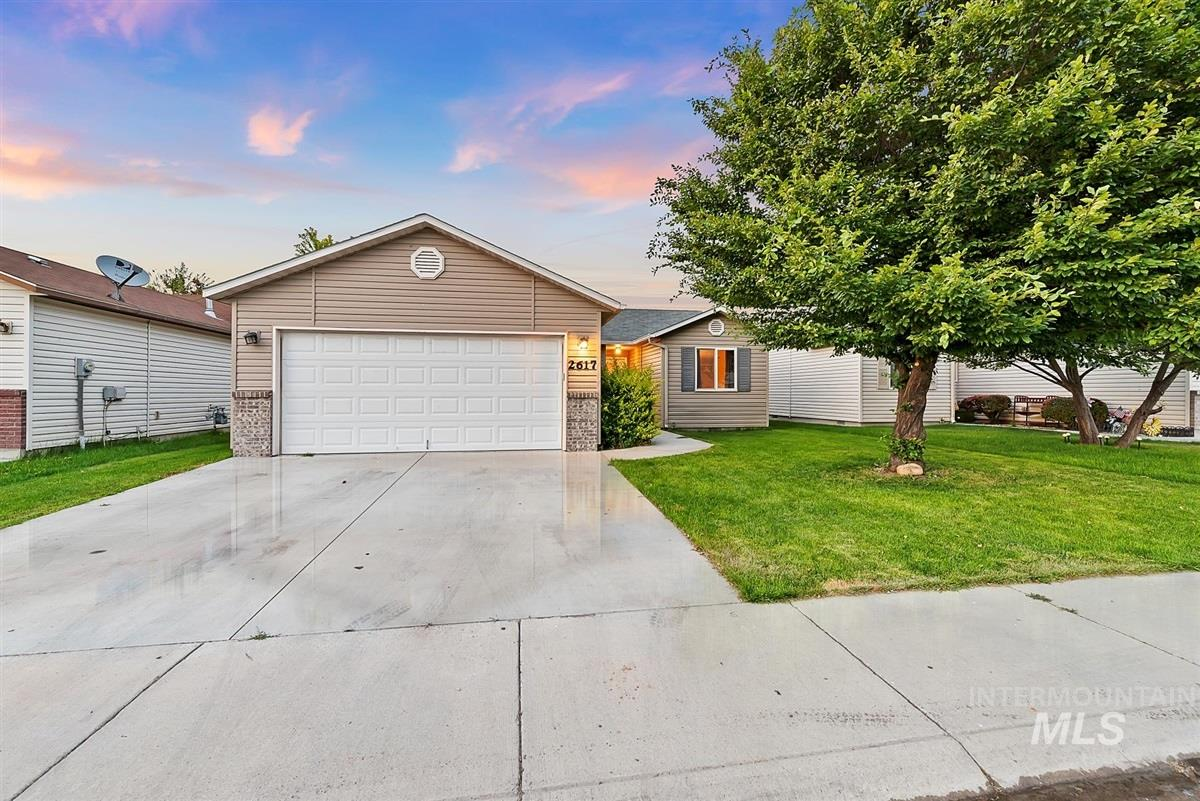 Photo for 2617 Red Robin Way, Caldwell, ID 83605 (MLS # 98775433)