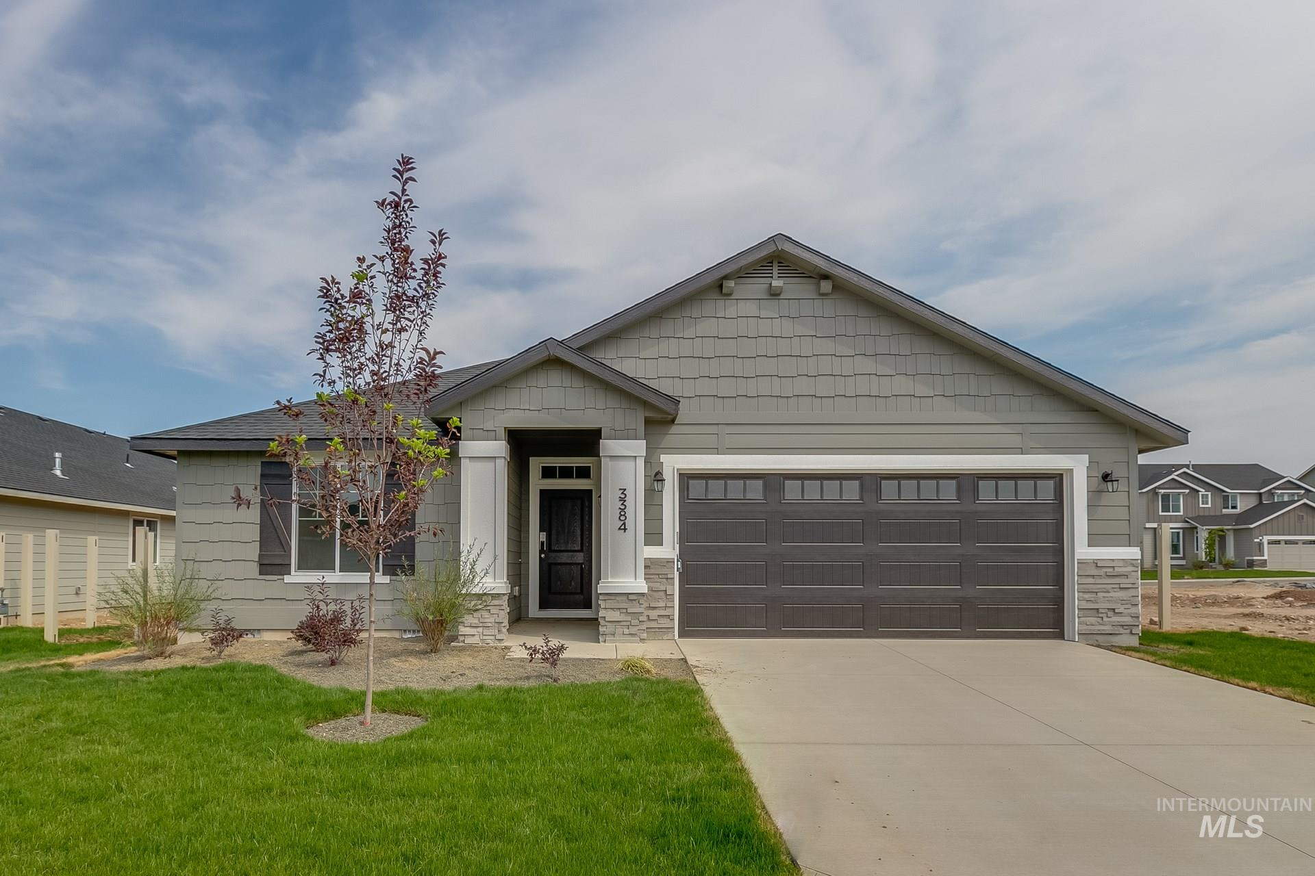 Photo for 915 N Bowknot Lake Ave, Star, ID 83669 (MLS # 98776197)