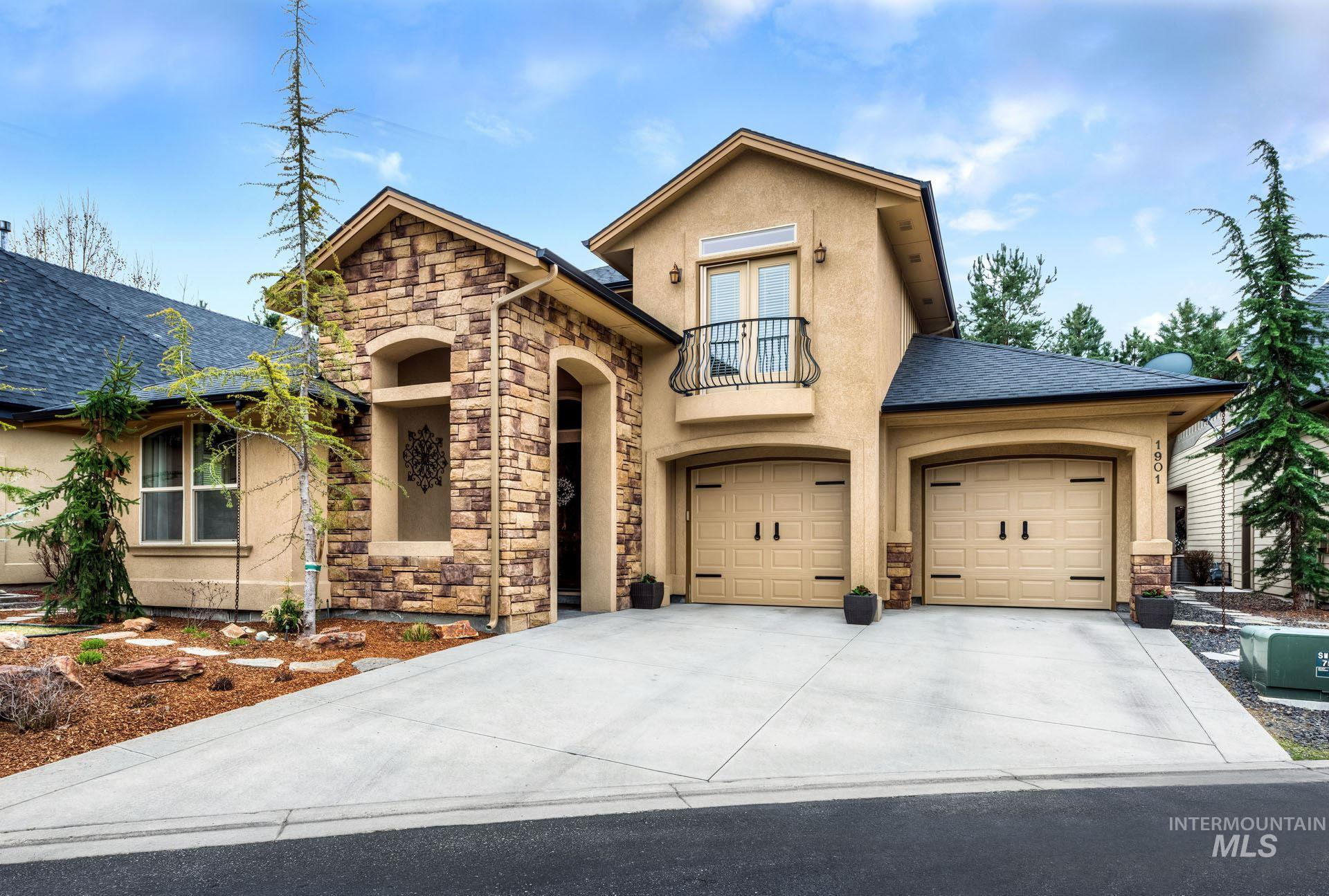 Photo for 1901 S Stream Pointe Ln, Eagle, ID 83616 (MLS # 98776289)