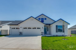 Photo of 2118 S Farmington Ave, Meridian, ID 83642 (MLS # 98781517)