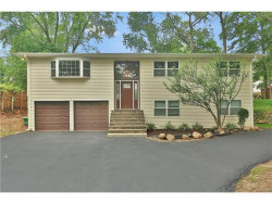 Photo of 201 Cardean Place, Pearl River, NY 10965 (MLS # 4728812)