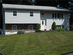 Photo of 17 Glenmere Court, Airmont, NY 10952 (MLS # 4731047)