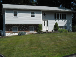 Photo of 17 Glenmere Court, Airmont, NY 10952 (MLS # 4750918)