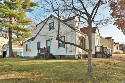 Photo of 15 Oak Terrace, Suffern, NY 10901 (MLS # 4750925)