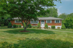 Photo of 5 Boxwood Court, Valhalla, NY 10595 (MLS # 4834810)