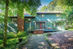 Photo of 4 Rock Hill Drive, Cortlandt Manor, NY 10567 (MLS # 4838504)