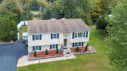 Photo of 5 Oxford Lane, Harriman, NY 10926 (MLS # 4842587)