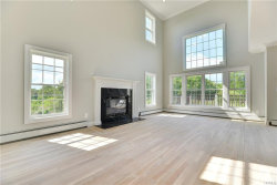 Photo of 546 Mountainview Avenue, Valley Cottage, NY 10989 (MLS # 4852403)