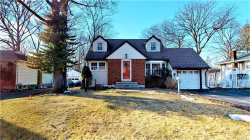 Photo of 5 Willow Drive, Suffern, NY 10901 (MLS # 4911483)