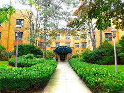 Photo of 2 Greenridge Avenue, Unit 3K, White Plains, NY 10605 (MLS # 4852597)