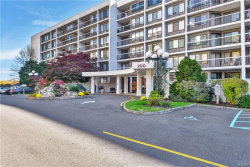 Photo of 200 High Point Drive, Unit 403, Hartsdale, NY 10530 (MLS # 4906030)