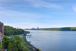 Photo of 2521 Palisade Avenue, Unit 4B, Bronx, NY 10463 (MLS # 4936831)