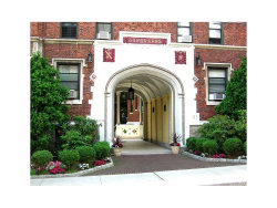 Photo of 31 West Pondfield Road, Unit 67, Bronxville, NY 10708 (MLS # 4734903)
