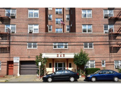 Photo of 245 Bronx River Road, Unit 4D, Yonkers, NY 10704 (MLS # 4737108)