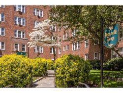 Photo of 280 Bronxville Road, Unit 4Y, Bronxville, NY 10708 (MLS # 4753418)