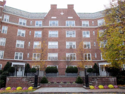 Photo of 5 Midland Gardens, Unit 2H, Bronxville, NY 10708 (MLS # 4816643)