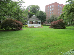 Photo of 220 Pelham Road, Unit 2K, New Rochelle, NY 10805 (MLS # 4824435)
